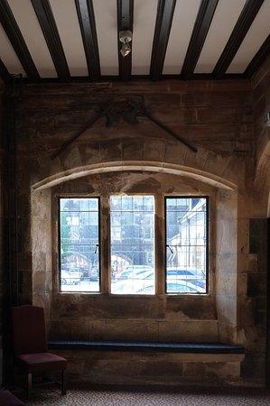 The Stirling Highland Hotel: Stirling Hallway Window
