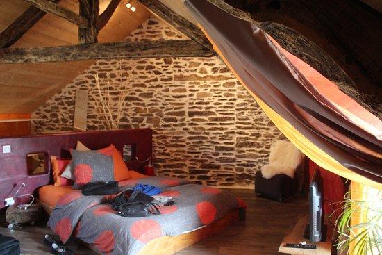Saint-Malon-sur-Mel, Γαλλία: Chambre du soleil