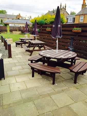 Sanquhar, UK: Outside seating area
