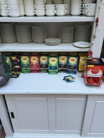 Hotel Leopold Brussels: Tea selection
