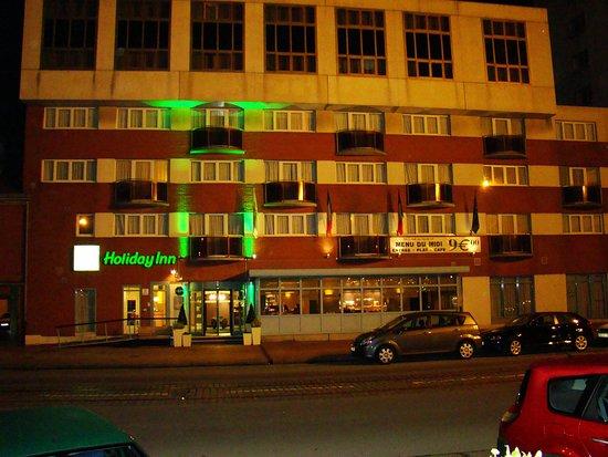 Holiday Inn - Calais : Holiday Inn Calais Hotel Exterior at night