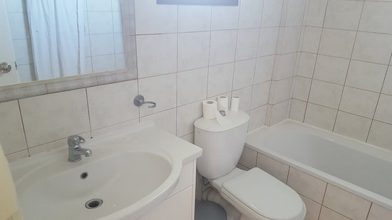Stemma Hotel: bathroom very clean