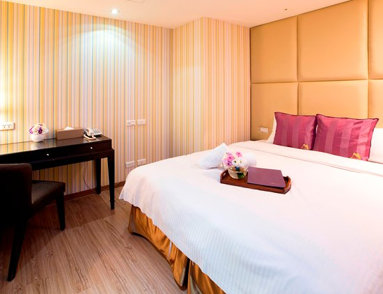 Muzik hotel ximending ximen station branch updated for Design ximen hotel review
