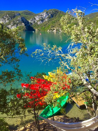 Esparron de Verdon, France : VERDON CANOES-KAYAK PADDLE