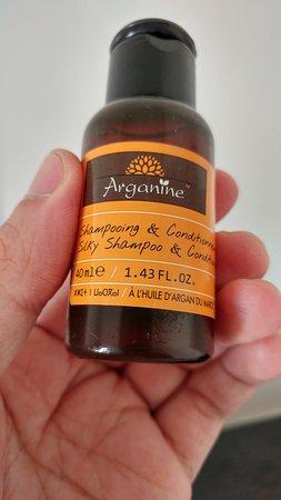Hotel Lutece: Produits locaux à l'huile d'argan dans la salle de bain