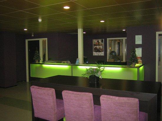Ijmuiden, Países Bajos: Business center desk