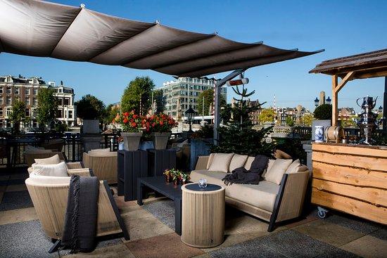 InterContinental Amstel Amsterdam: A bar winter terrace