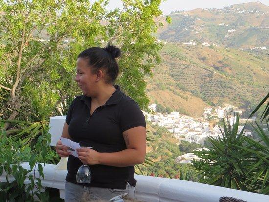 Hotel Finca el Cerrillo: Menu reading