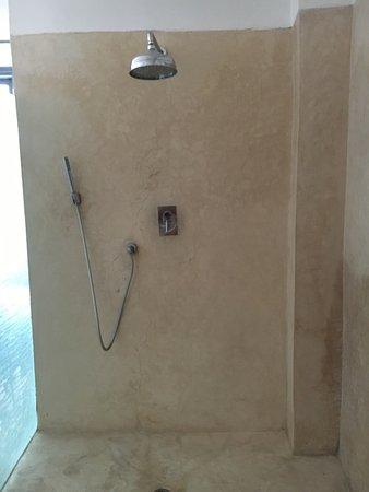 Riad Awa: Leon room