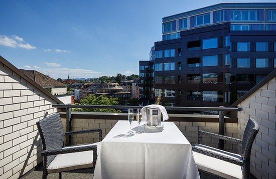 Hotel Ascot: Balcony