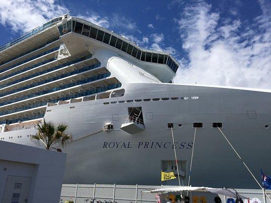 InterContinental Athenaeum: Royal Princess Cruise Ship