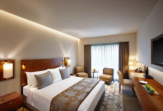 Crowne Plaza Chennai Adyar Park: Guest Room