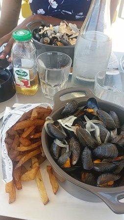 Reze, ฝรั่งเศส: Moules avec frites maison