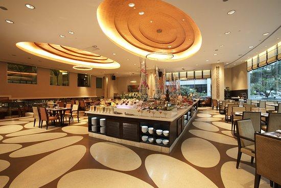 Impiana KLCC Hotel : Tonka Bean Hours Coffee House