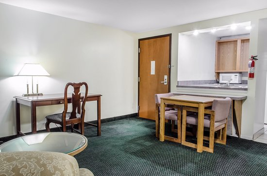 Econo Lodge Inn & Suites Denver: Miscellaneous