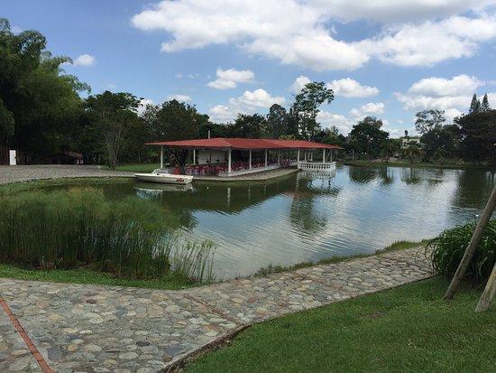 Lago Azul Finca Hotel