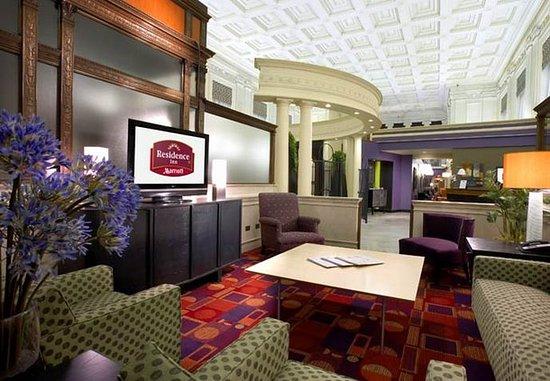 Residence Inn Columbus Downtown: Lobby
