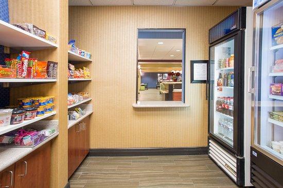 Hampton Inn Santa Rosa: Suite Shoppe