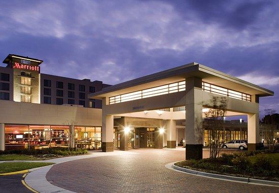 Exterior of Norfolk Marriott Chesapeake