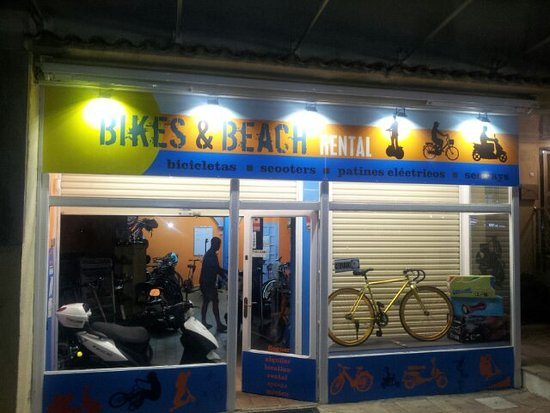 ‪Bikes and Beach Rental‬