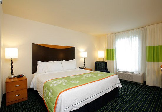 Fairfield Inn & Suites Melbourne Palm Bay/Viera: King Guest Room