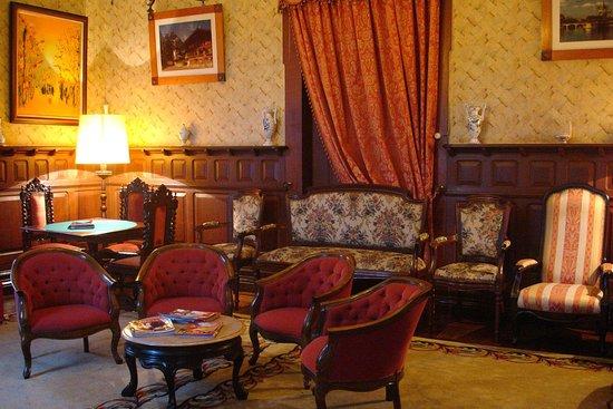 Alegre Hotel: Living Room