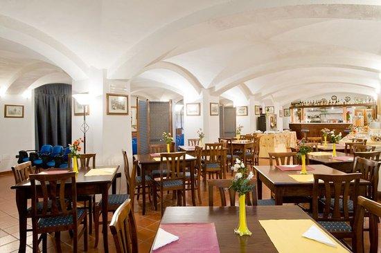 Residence La Contessina: Sala colazioni/Breakfast room