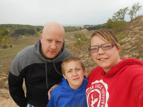 Saugatuck, Μίσιγκαν: My husband Andy and son Tyler, there are beautiful views on the dune ride My 2015