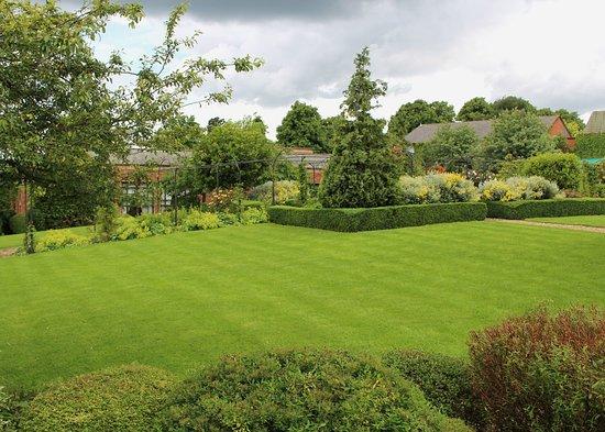 Dunchurch, UK: Garden