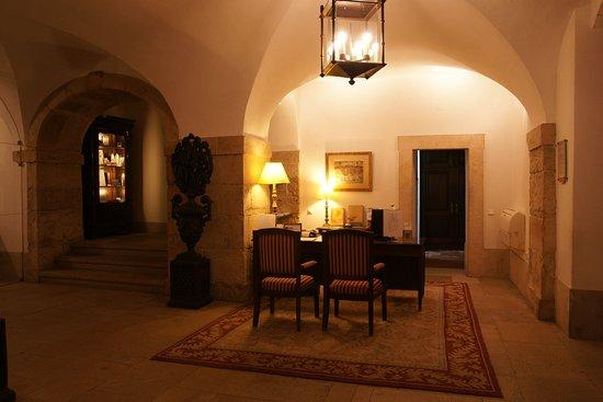 Pousada de Palmela Historic Hotel: Lobby