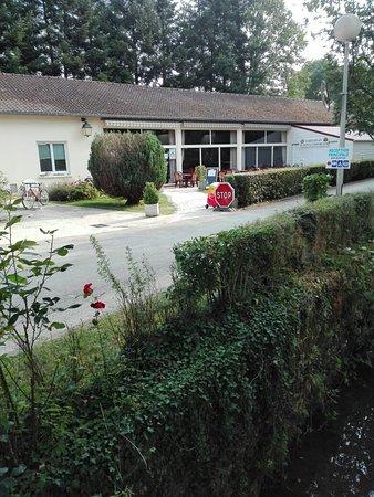 Touquin, Francia: Camping Les Etangs Fleuris