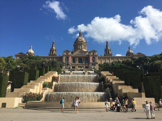 Bornbike Barcelona: MagicWaterfalls am Montjuic