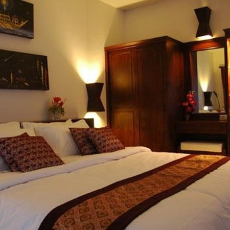 Chaw Ka Cher Tropicana Lanta Resort : bed room with king size bed