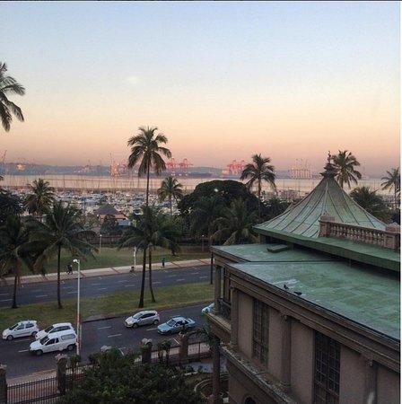 Durban, et il est également adjacent à lautoroute N3.