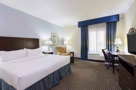 New Iberia, LA: ADA/Hearing accessible King Guest Room