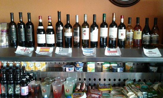 Sabanilla, Costa Rica: Vino, cerveza artesanal y menú de cenas
