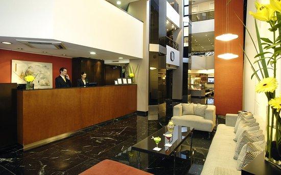 Aspen Towers Hotel: Lobby