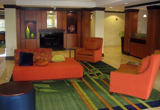 Fairfield Inn & Suites Carlisle: Lobby