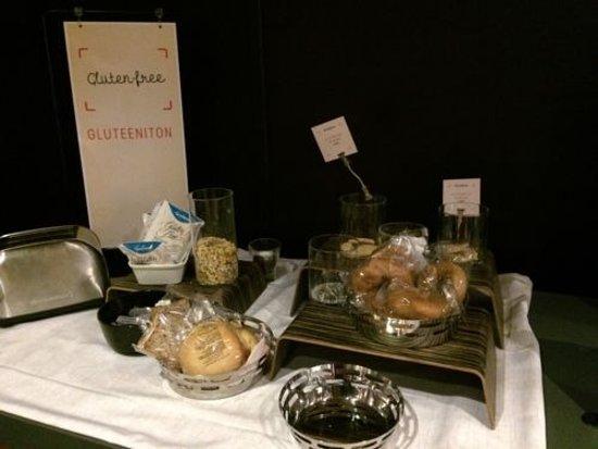 Vantaa, Finlandia: Gluten-free products at breakfast