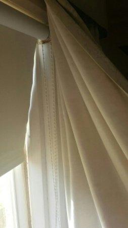 The Queensbury Hotel: Rusty windows