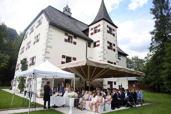 Schloss Prielau : Our wonderful wedding :)