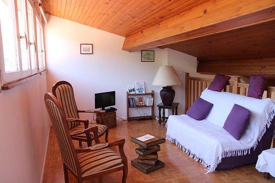 Salon mezzanine de la chambre Esclarmonde - Picture of L\'Arche des ...