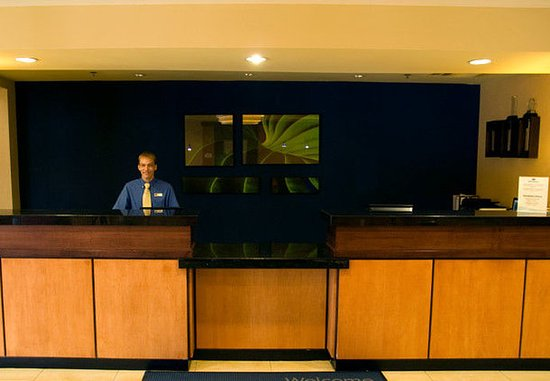 Cookeville, Τενεσί: Front Desk