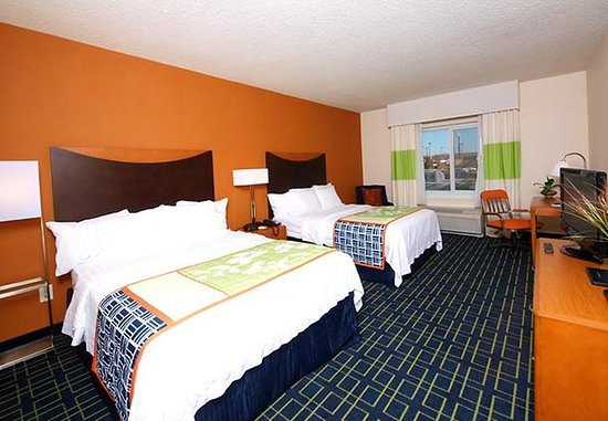 Cookeville, TN: Queen/Queen Guest Room