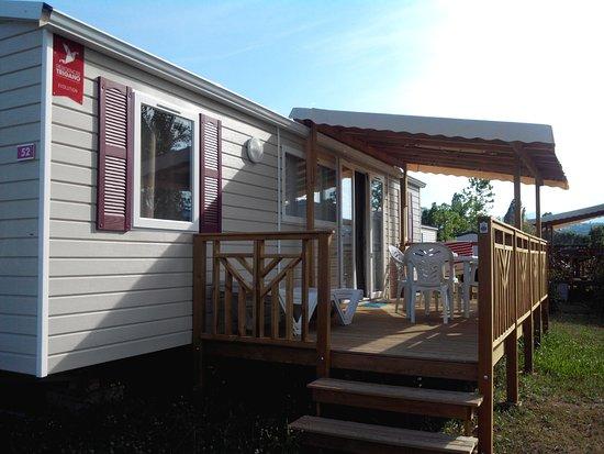 Condrieu, Frankrig: mobil home avec terrasse