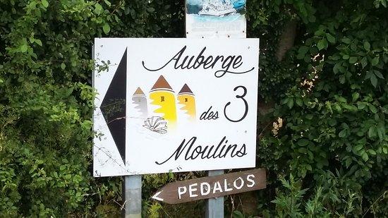 Boussay, Francia:  les nouveaux panneaux de direction