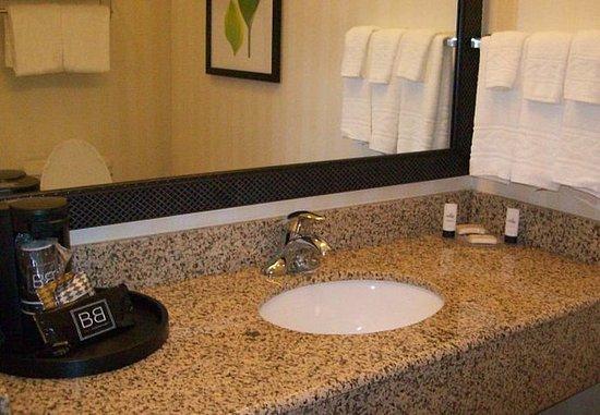 Strasburg, Βιρτζίνια: Suite Bathroom