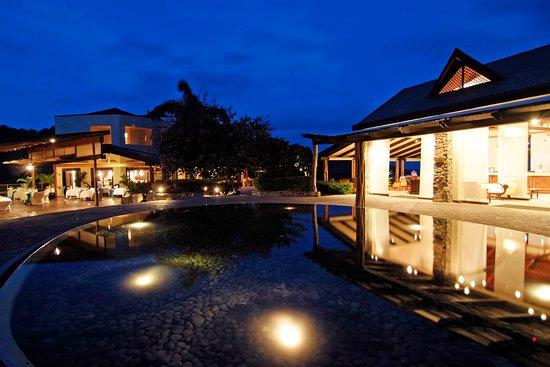 格林納丁斯群島 - 卡努安島卡裡內吉灣度假飯店照片