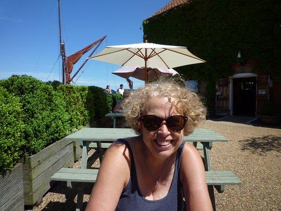 Snape, UK: Outside drink/dining