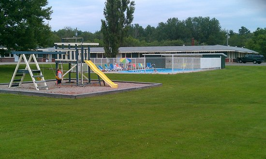 Middleton, Kanada: Playground & Pool